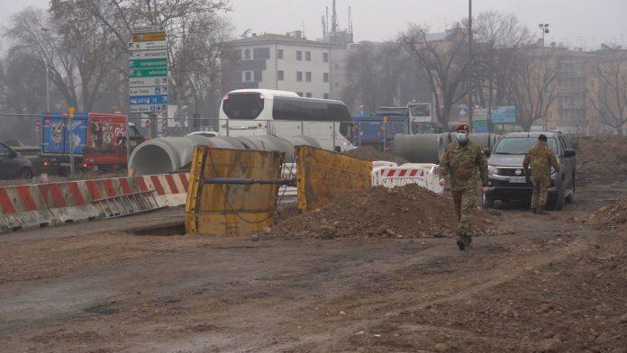 Il Genio Guastatori al cantiere in via Città di Nimes bomba ordigno bellico