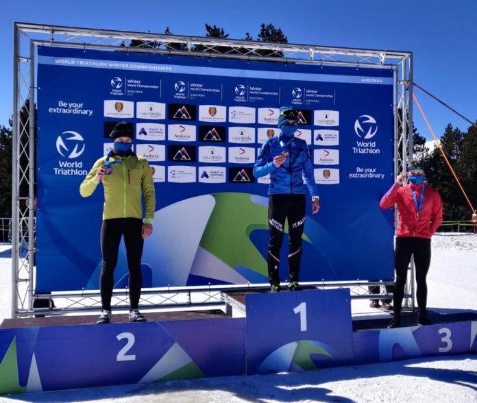 Andrea Tanara sul podio. Foto dalla pagina Facebook Verona Triathlon