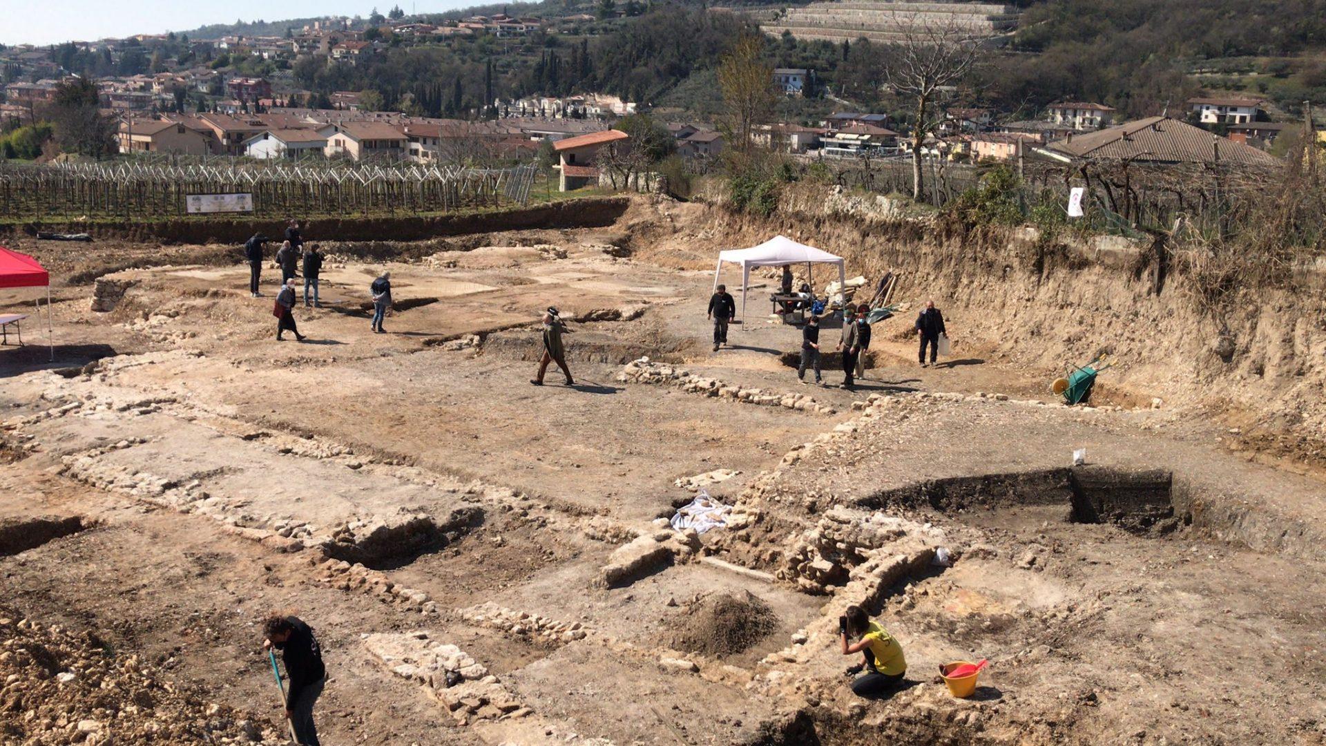 Gli scavi a Villa dei Mosaici