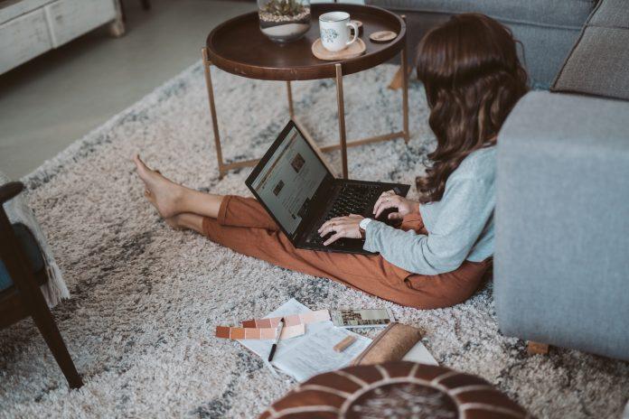 donne impresa donna imprenditrice computer smart working casalinga lockdown telelavoro