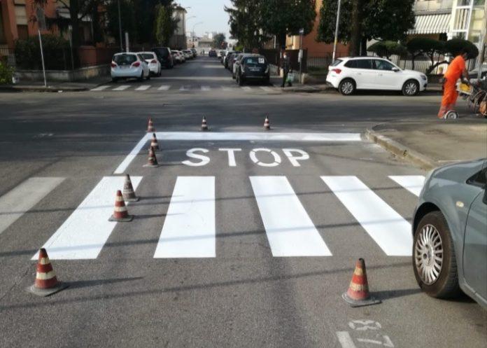 Il nuovo Stop tra via Prati e via Poerio.