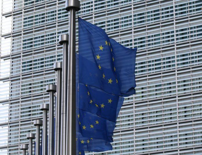 europa - commissione europea - bandiera bandiere