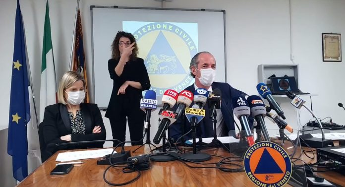 Manuela Lanzarin e Luca Zaia vaccini ai 50enni
