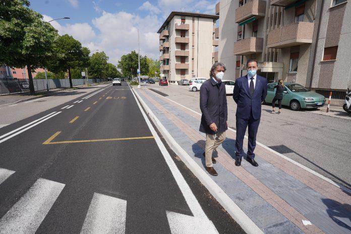 Sindaco Sboarina e presidente di AMT Rupiani in via Fedeli
