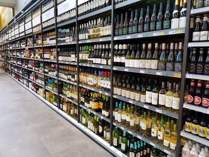 Vino GDO supermercati grande distribuzione organizzata supermercato corsia