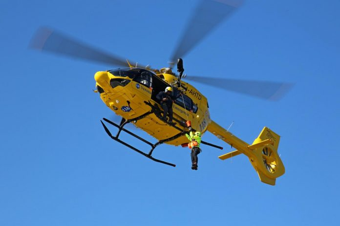elicottero Suem 118 Verona Emergenza elisoccorso parapendio incidente