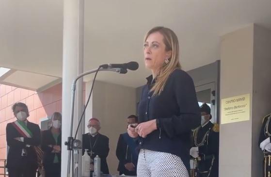 Giorgia Meloni alla cerimonia di intitolazione della casa di cura, già Casa Serena, a Stefano Bertacco.