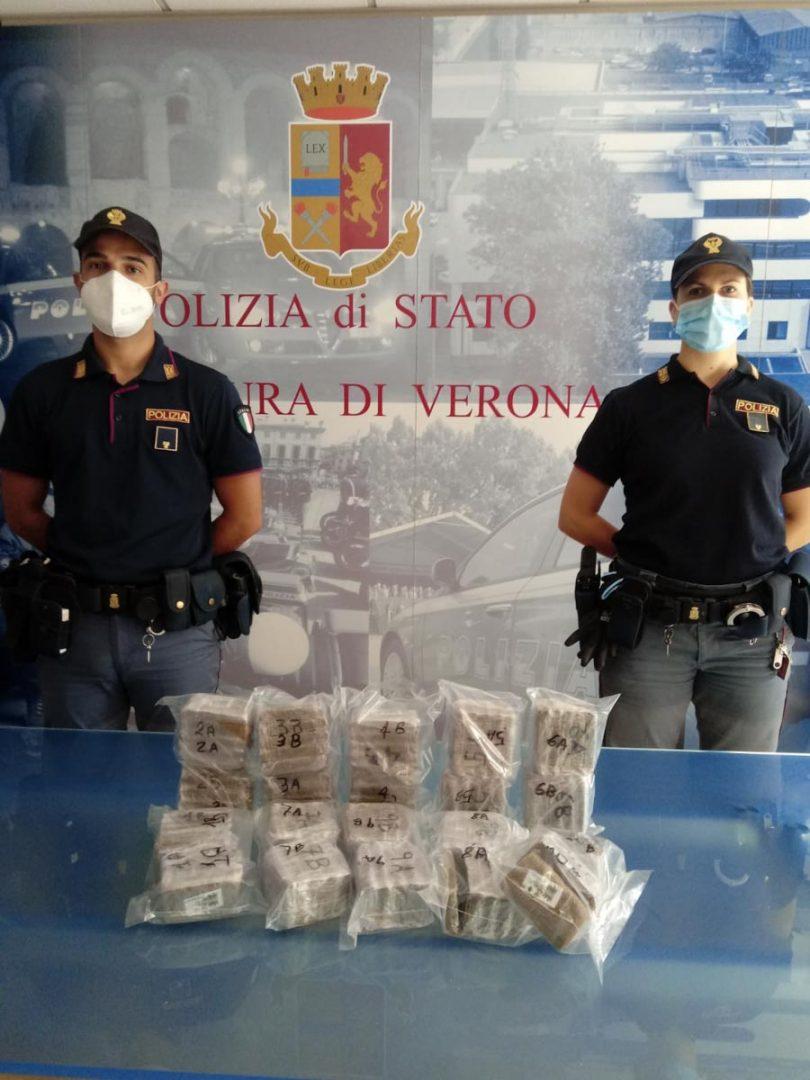 Polizia Squadra Mobile - Arresto per droga hashish