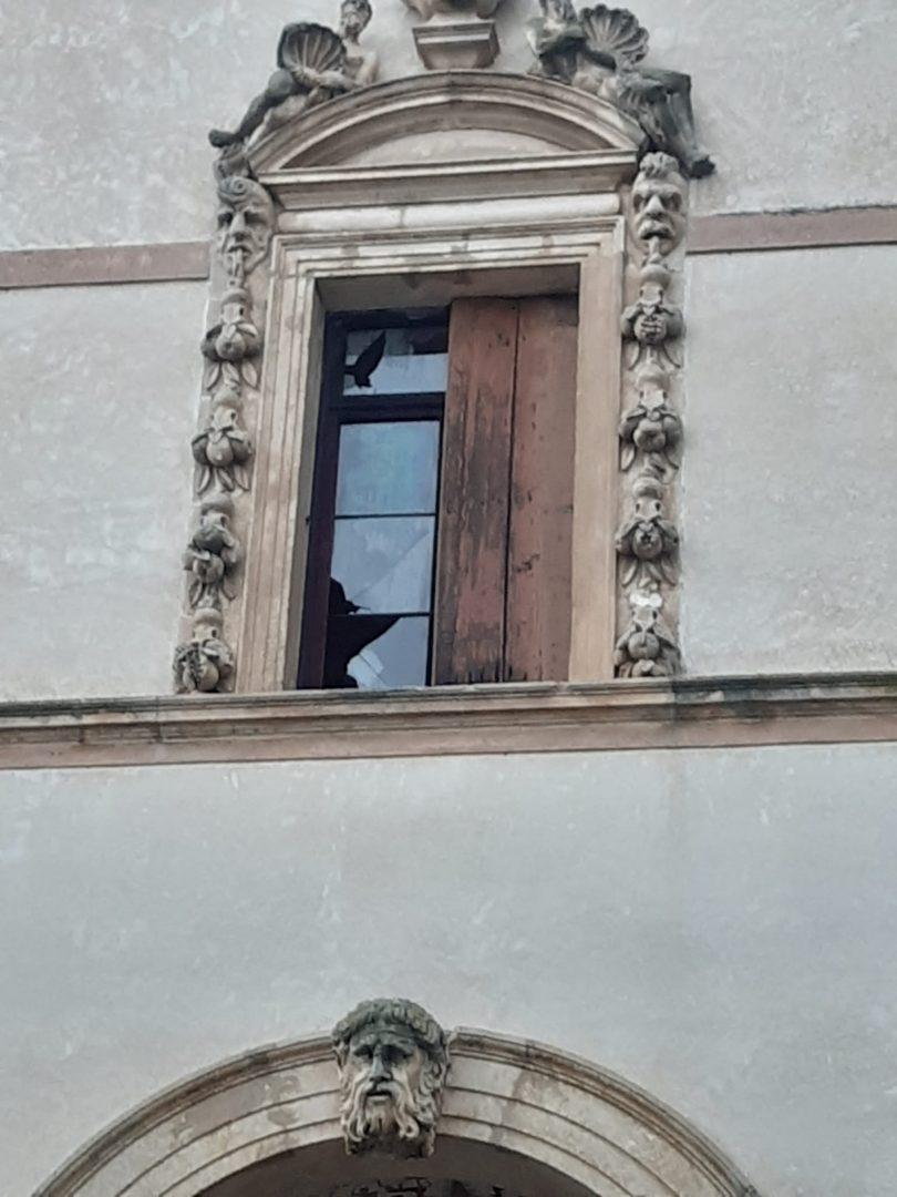 I danni a Villa Contarini a Piazzola sul Brenta