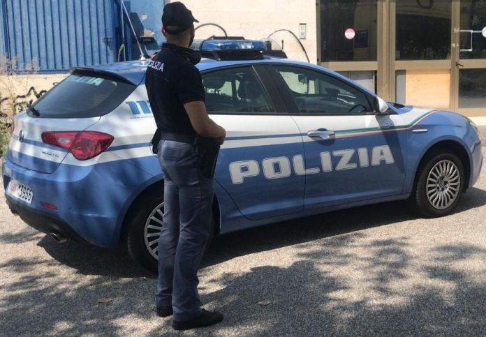 squadra mobile Polizia minorenni denunciati auto rubata