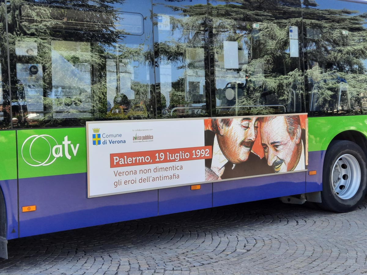 Verona ricorda Borsellino e Falcone bus atv