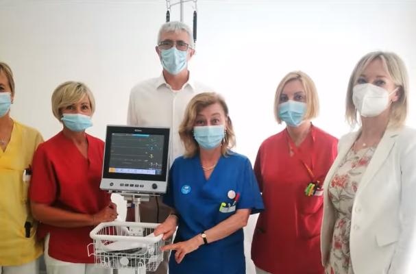 Il monitor multiparametrico portatile donato all'UOC di Nefrologia e Dialisi dell'Ospedale Fracastoro di San Bonifacio da parte di BCC Vicentino