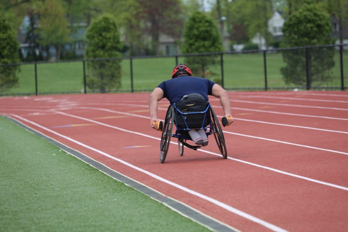 atleta paralimpico sport disabilità