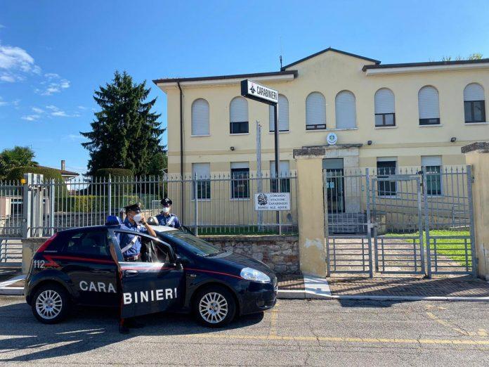 La stazione dei Carabinieri di Ronco all'Adige
