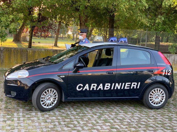Carabinieri a Castel d'Azzano