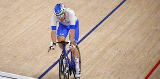 Elia Viviani in azione nell'Omnium Roubaix mondiali