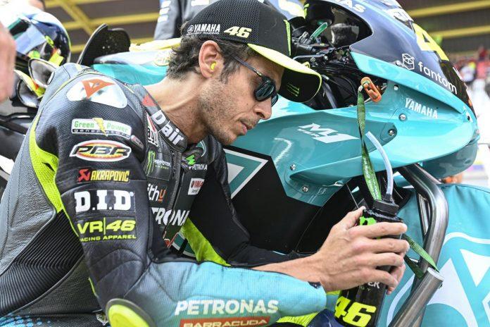 Valentino Rossi si ritira a fine stagione