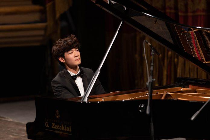 Xiaolu Zhang