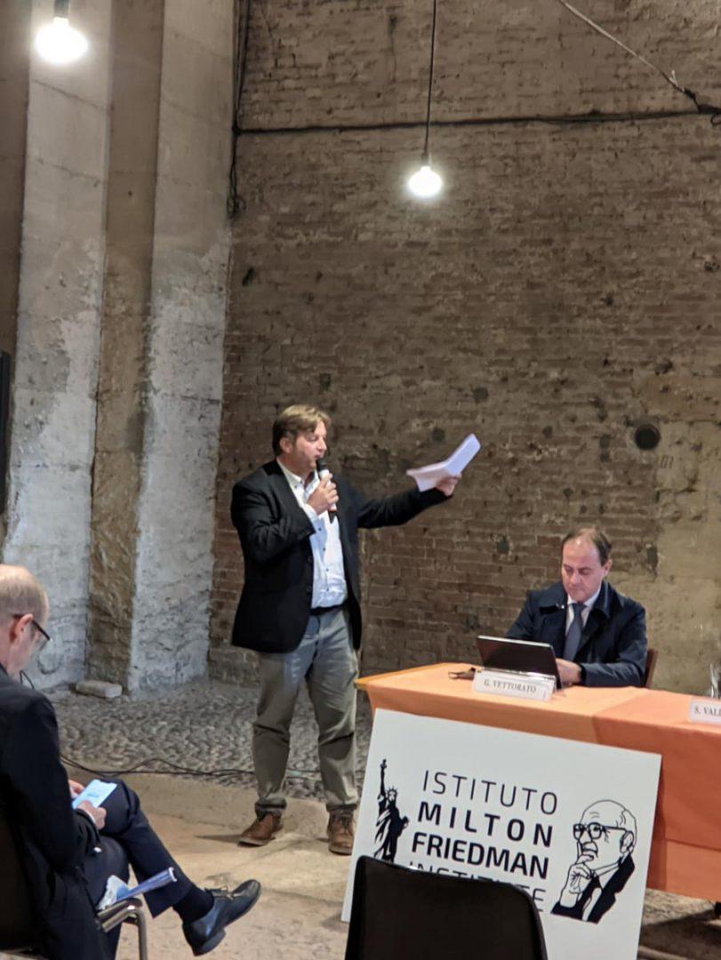 """Il consigliere regionale Stefano Valdegamberi all'incontro per """"l'asse dell'Adige"""""""